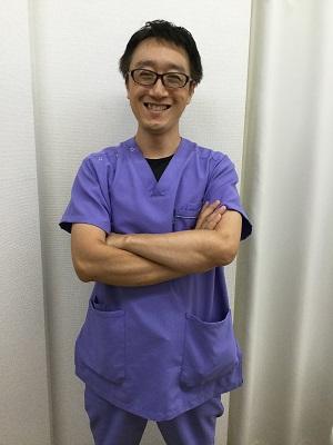 明石で骨盤矯正なら「朝霧整体院」 腰痛施術が得意な院長川崎です